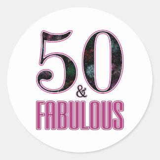 Adesivo Redondo 50 & aniversário da tipografia preta cor-de-rosa