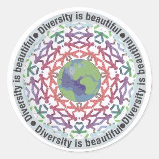 Adesivo Redondo A diversidade é mundo bonito