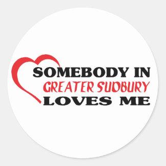 Adesivo Redondo Alguém em maior Sudbury ama-me