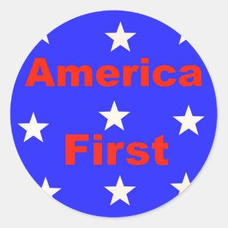 "Adesivo Redondo ""América vermelha, branca, e azul primeiramente"""