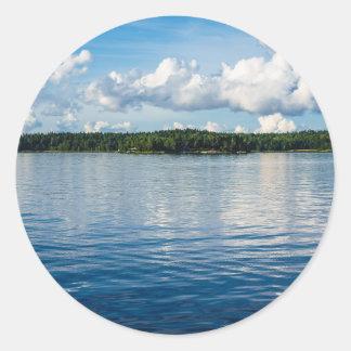 Adesivo Redondo Arquipélago na costa de mar Báltico na suecia