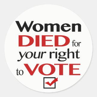 Adesivo Redondo As mulheres morreram para que seu direito vote…