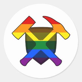 Adesivo Redondo Bandeira do arco-íris do protetor LGBT do martelo
