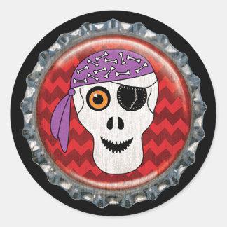 Adesivo Redondo Boné de garrafa do crânio do pirata do Dia das