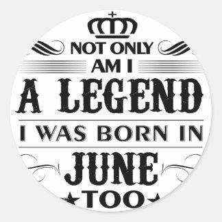 Adesivo Redondo Camiseta das legendas do mês de junho