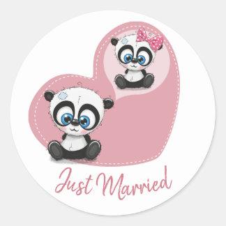 Adesivo Redondo Casamento cor-de-rosa do coração do urso de