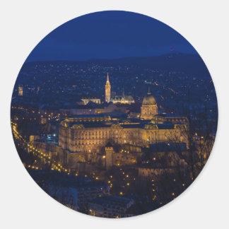 Adesivo Redondo Castelo Hungria Budapest de Buda na noite