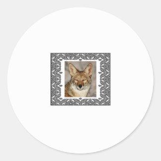 Adesivo Redondo chacal em um quadro