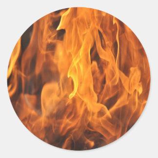 Adesivo Redondo Chamas - demasiado quentes a segurar