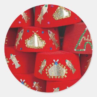 Adesivo Redondo Chapéus vermelhos de Fez no mercado