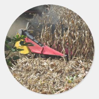 Adesivo Redondo Colheita do milho da colheita mecanizada no campo