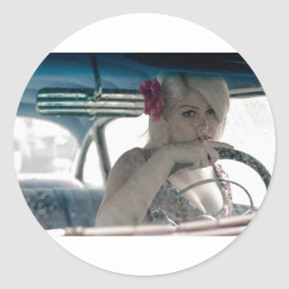 Adesivo Redondo Conduzindo Doris