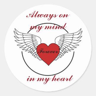 Adesivo Redondo Coração com asas e citações