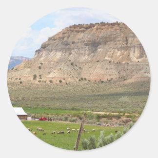 Adesivo Redondo Cultivando o país e as colinas, Utá do sul