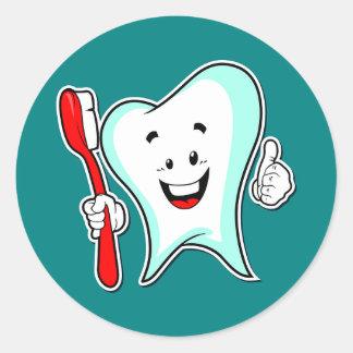 Adesivo Redondo Dente e escova de dentes dos desenhos animados