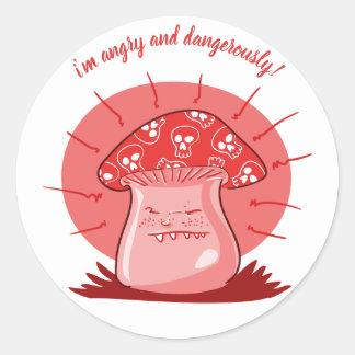 Adesivo Redondo desenhos animados engraçados do cogumelo irritado