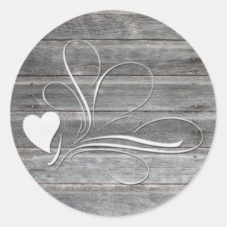 Adesivo Redondo Design de madeira resistido do coração
