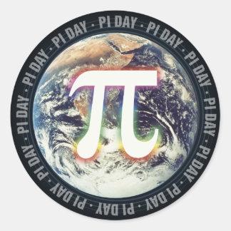 Adesivo Redondo Dia do Pi na matemática da terra |