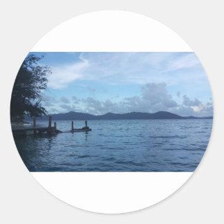 Adesivo Redondo Doca do barco da ilha