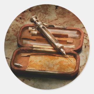 Adesivo Redondo Doutor - a seringa Hypodermic