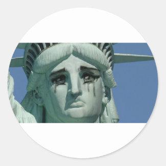 Adesivo Redondo Estátua da liberdade de grito
