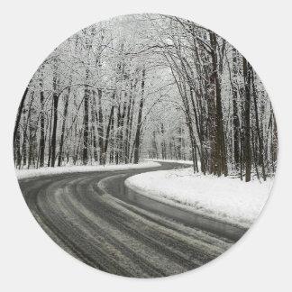 Adesivo Redondo Estrada de enrolamento curvada neve