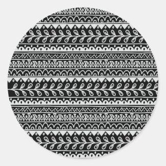 Adesivo Redondo Fileiras de padrões preto e branco do Doodle