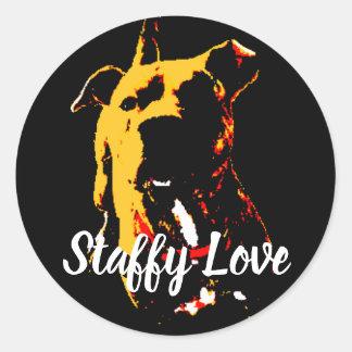 """Adesivo Redondo filhote de cachorro vermelho """"amor staffy """""""