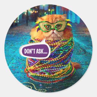 Adesivo Redondo Gato engraçado com a miçanga colorida no carnaval