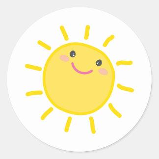 Adesivo Redondo Ilustração feliz da luz do sol do SOL BONITO de