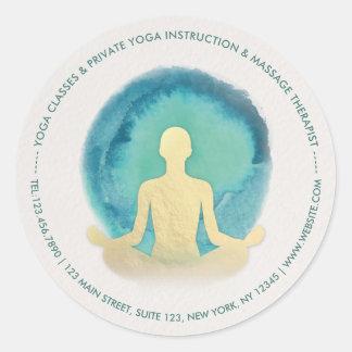Adesivo Redondo Instrutor da meditação da IOGA da aguarela do ouro