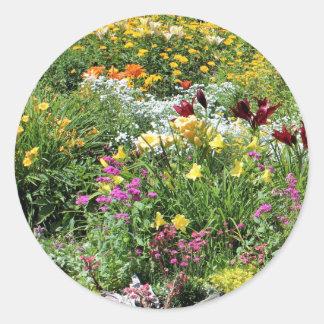 Adesivo Redondo Jardins meados de coloridos do verão!