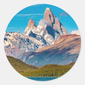 Adesivo Redondo Lago e montanhas de Andes, Patagonia - Argentina