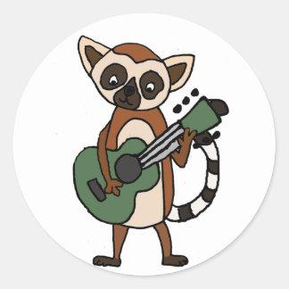 Adesivo Redondo Lemur engraçado que joga a arte da guitarra