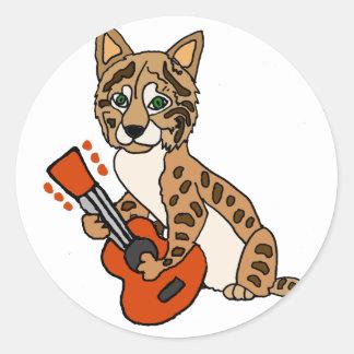 Adesivo Redondo Lince engraçado que joga a arte da guitarra