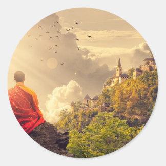 Adesivo Redondo Monge Meditating antes do grande templo