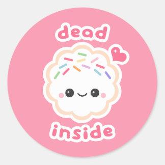 Adesivo Redondo Morto de Kawaii dentro do biscoito