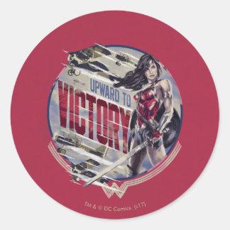 Adesivo Redondo Mulher maravilha para cima à vitória