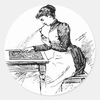 Adesivo Redondo Mulher que usa o Airbrush velho