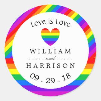 Adesivo Redondo O amor do coração do arco-íris é casamento do amor