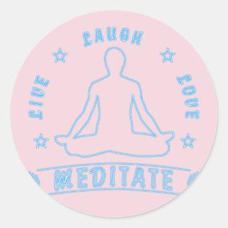 Adesivo Redondo O amor vivo do riso Meditate o texto masculino (o