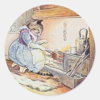 Adesivo Redondo O gato do bichano senta-se pelo fogo