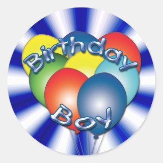 Adesivo Redondo O menino do aniversário Balloons em volta das