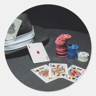 Adesivo Redondo O póquer carda o chapéu do gângster