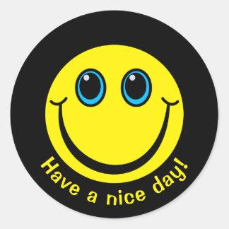 Adesivo Redondo O smiley face tem um dia agradável