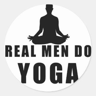 Adesivo Redondo os homens reais fazem a ioga