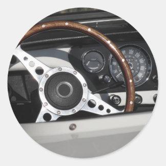 Adesivo Redondo Painel de um carro clássico britânico velho