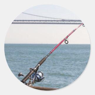 Adesivo Redondo Pesca Rod no cais em San Francisco Bay