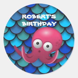 Adesivo Redondo Polvo roxo no azul sob o aniversário do mar