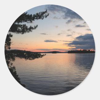 Adesivo Redondo Por do sol sobre o lago Maine Millinocket da ilha